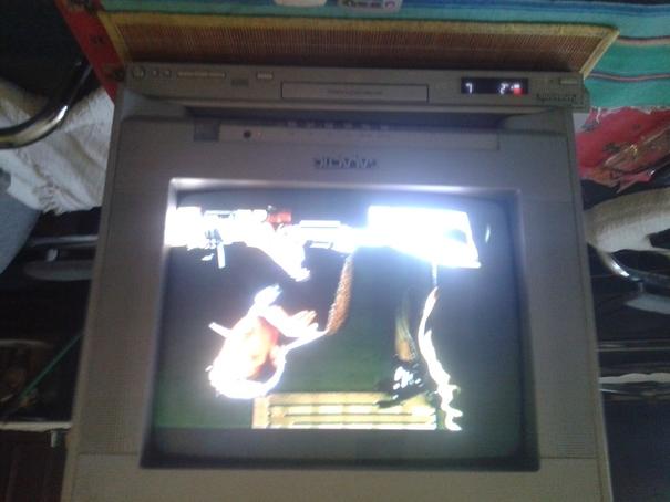 Sprzedam TV 14 calowy wraz z odtwarzaczem VHS lub DVD